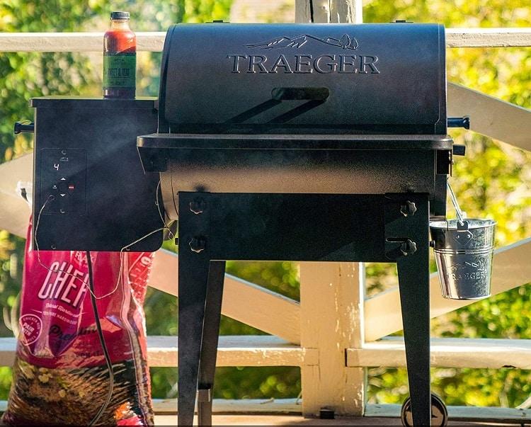 Best Pellet Smoker: Traeger Tailgater 20 Pellet Grill